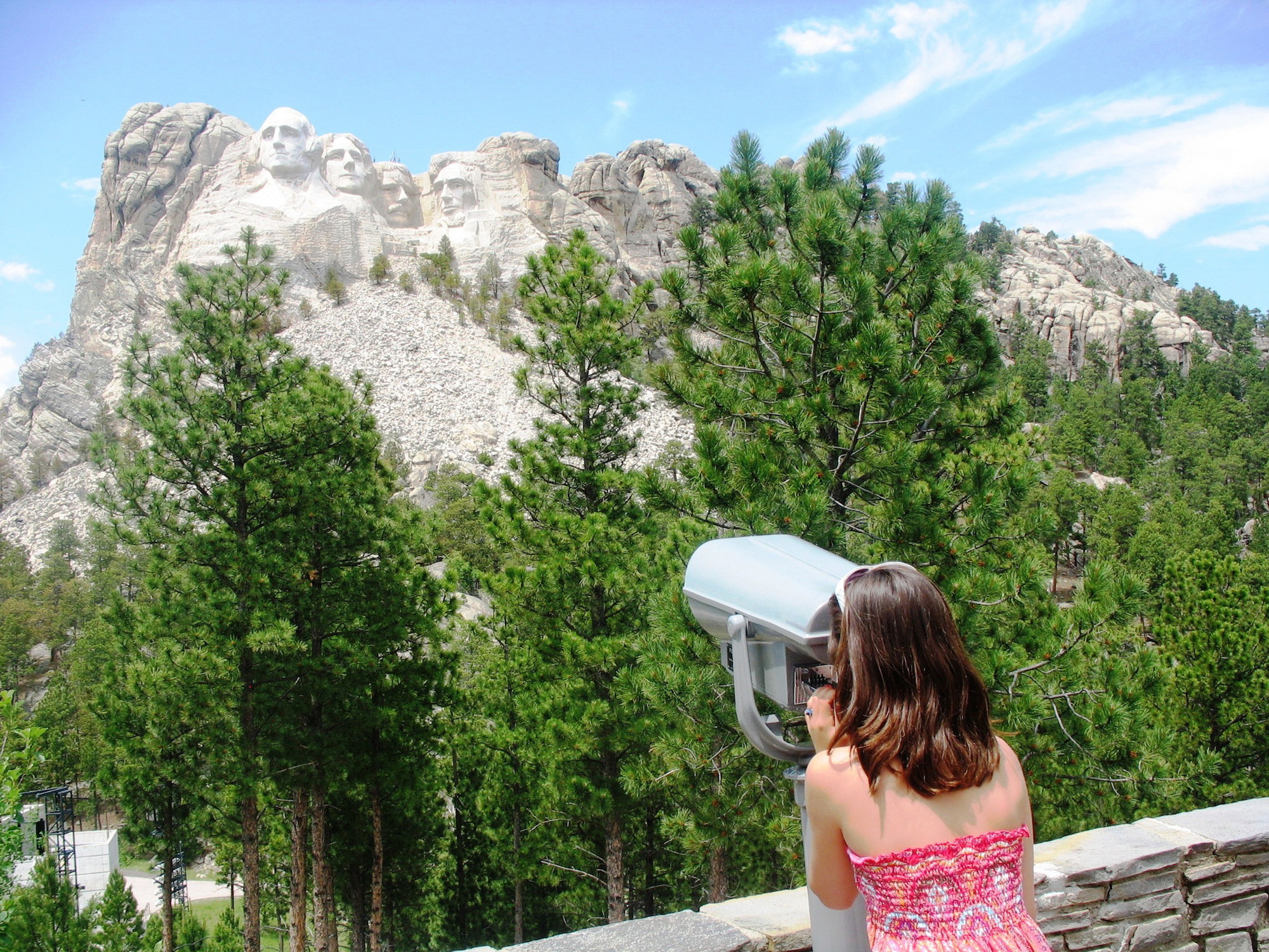 Hotel With View Of Mount Rushmore