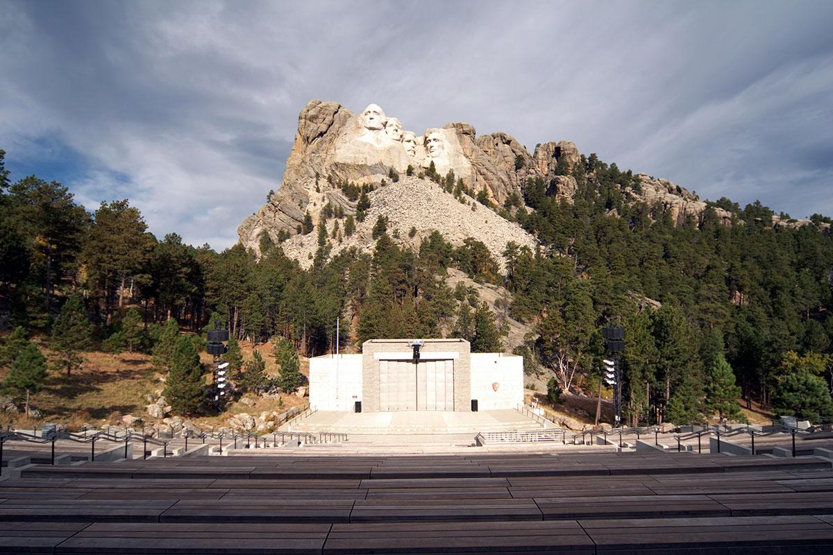 Grand Canyon Railway >> Photos - Mount Rushmore National Memorial